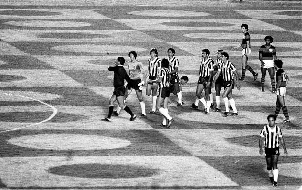 atletico_flamengo_wright_jogadores_goiania_1981